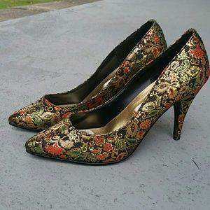 Classified Red/Green Gold Heels
